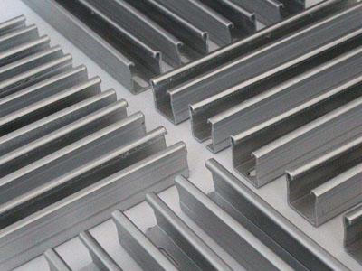 C型钢有哪些特点?